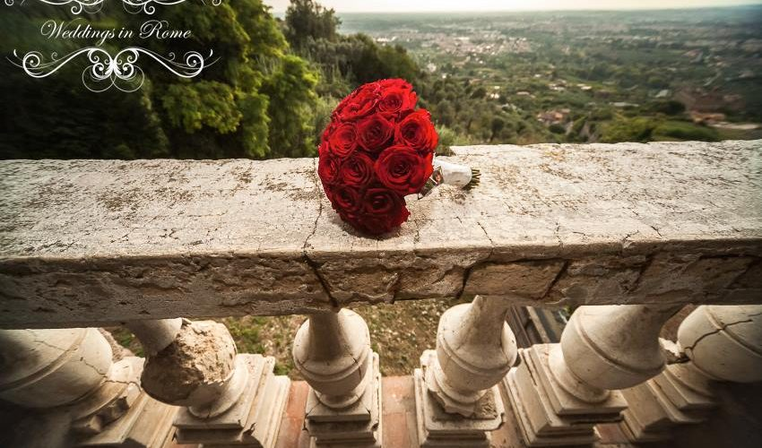 louise and grant's bouquet in italy